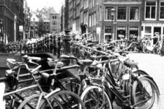 amsterdam-bikes-01